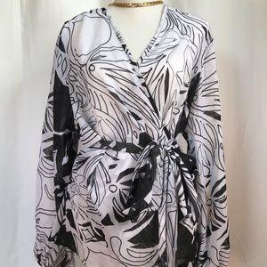 Ashley Stewart cross front B/W loose blouse size20